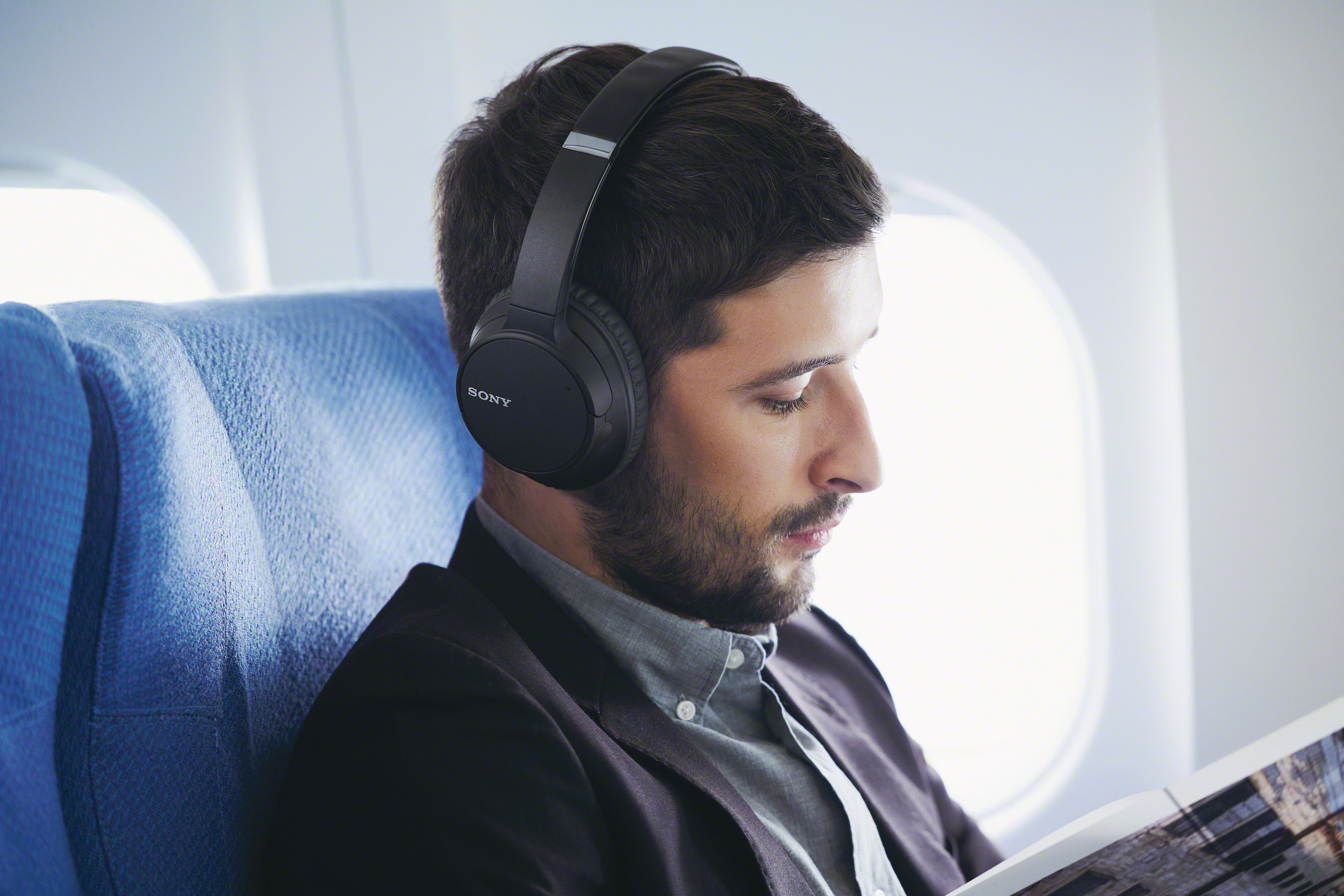 Sony-WH-CH700N-Wireless-Bluetooth-Noise-Canceling-Over-the-Ear-Headphones thumbnail 7